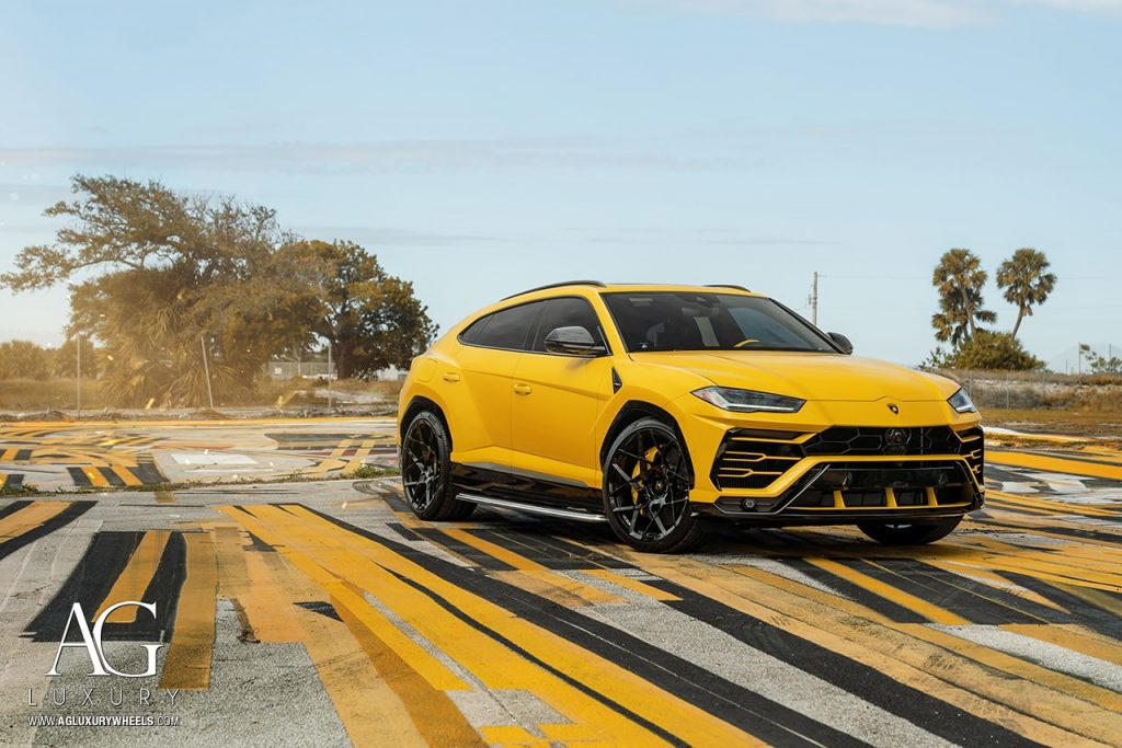 yellow Giallo Evros lamborghini urus suv supercar agluxury wheels agl55 monoblock custom concave forged gloss black rims 23in 23inch