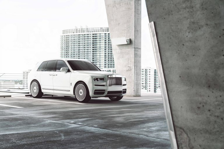 Rolls-Royce Cullinan on AG Luxury Wheels AGL45