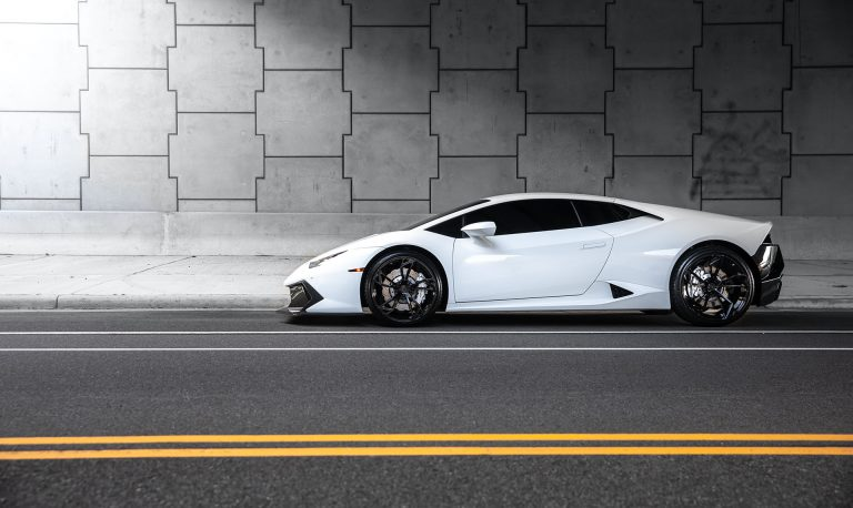 Lamborghini Huracan on AG Luxury Wheels AGL47