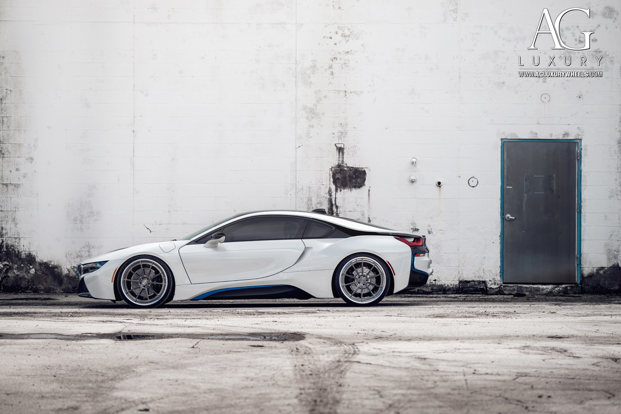 white bmw i8 forged concave wheels staggered brushed gunmetal step lip