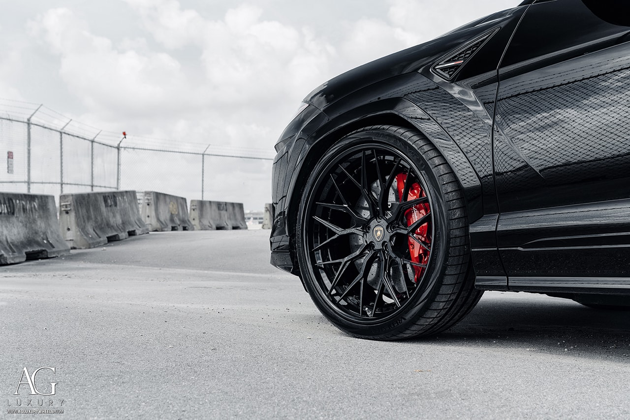 black lamborghini urus lambo agluxury wheels agl43 custom concave forged three piece gloss adv1 anrky vossen 24in 24inch bespoke rims 1016 industries suv super mesh three piece