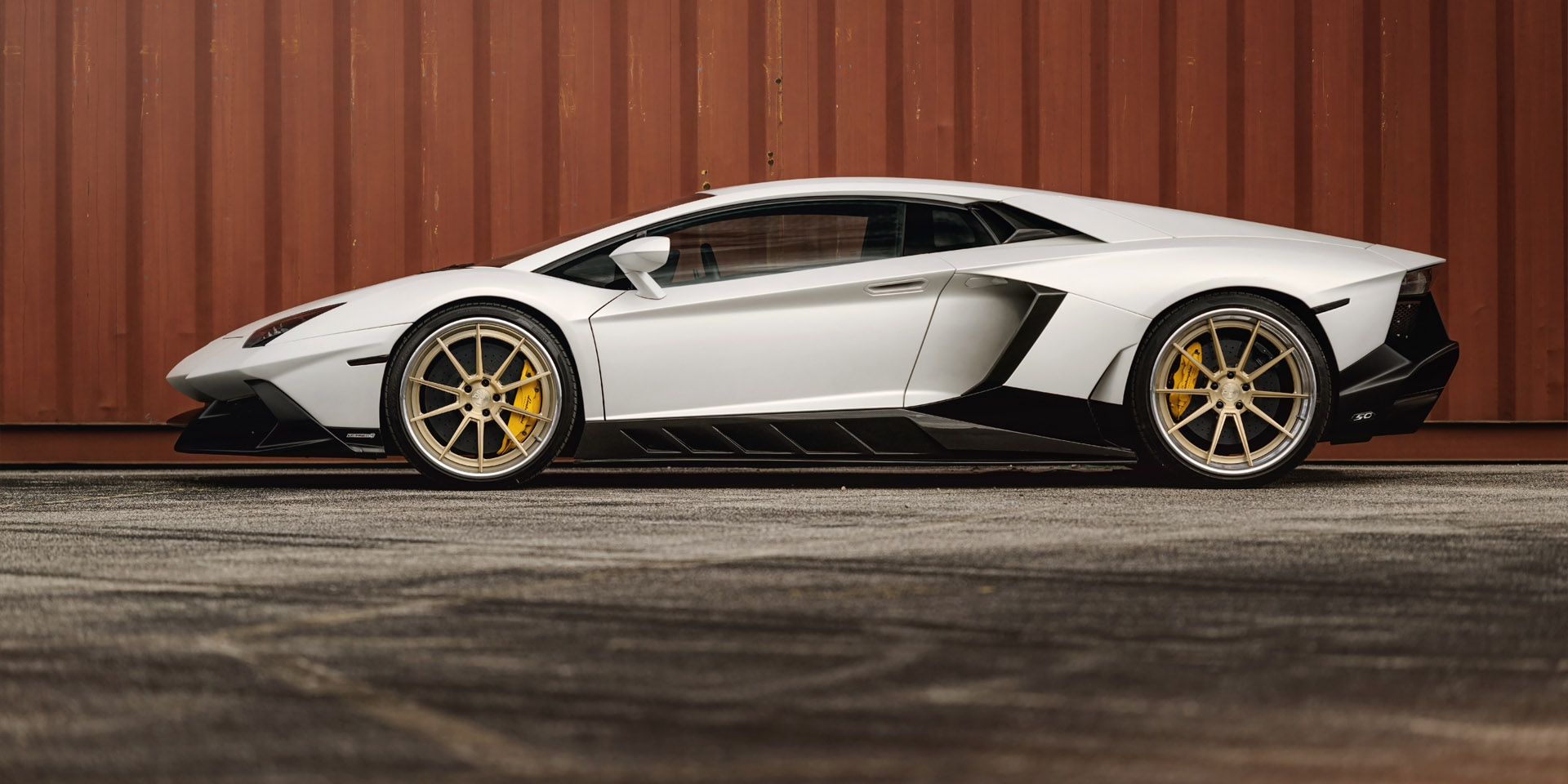 Lamborghini Aventador forged concave staggered gold wheels